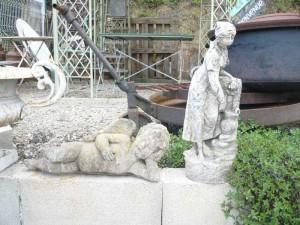 diverses statues